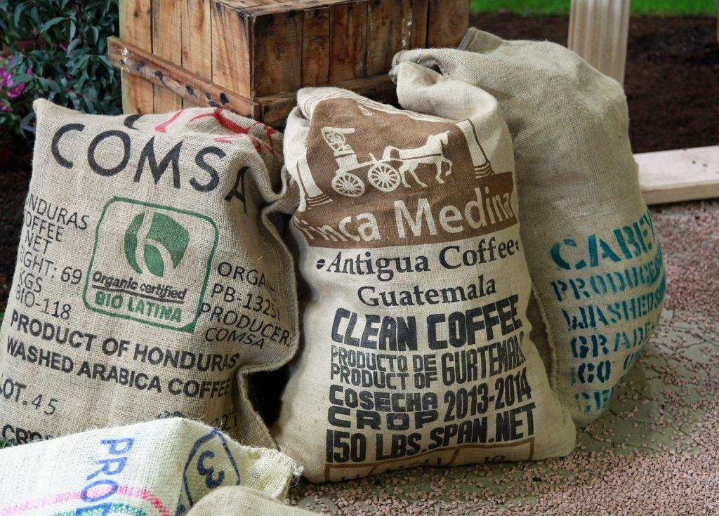 Combinatii de cafea arabica si robusta