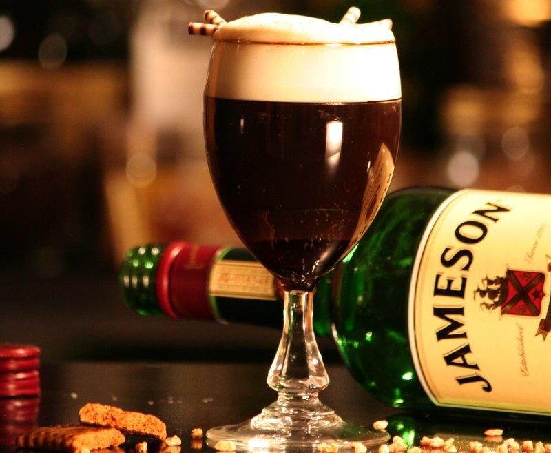 Irish coffee cu wiskey
