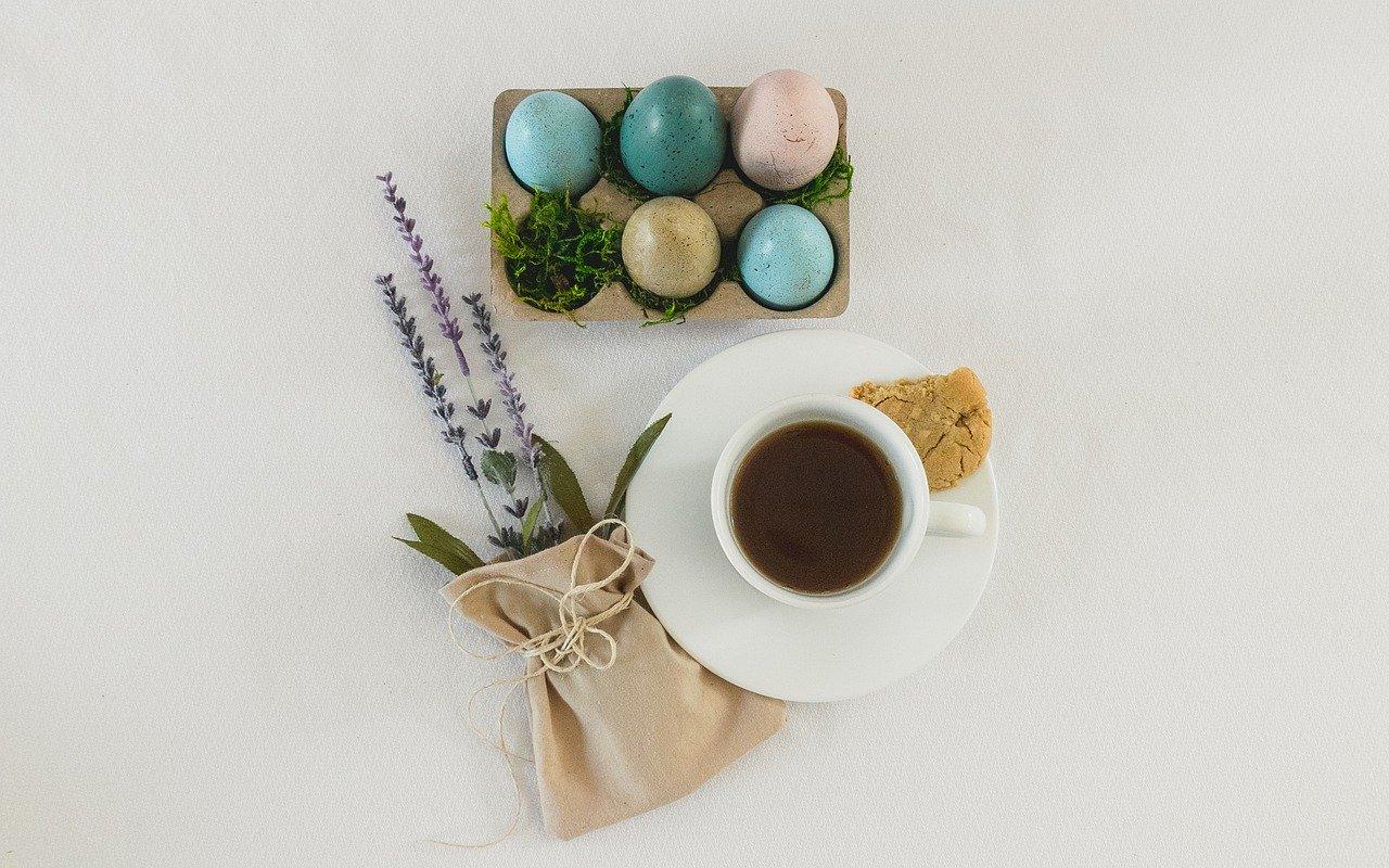 Programul CoffeePlace de Paste